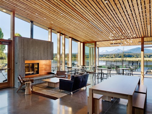 Black Butte Ranch Pool House / 3